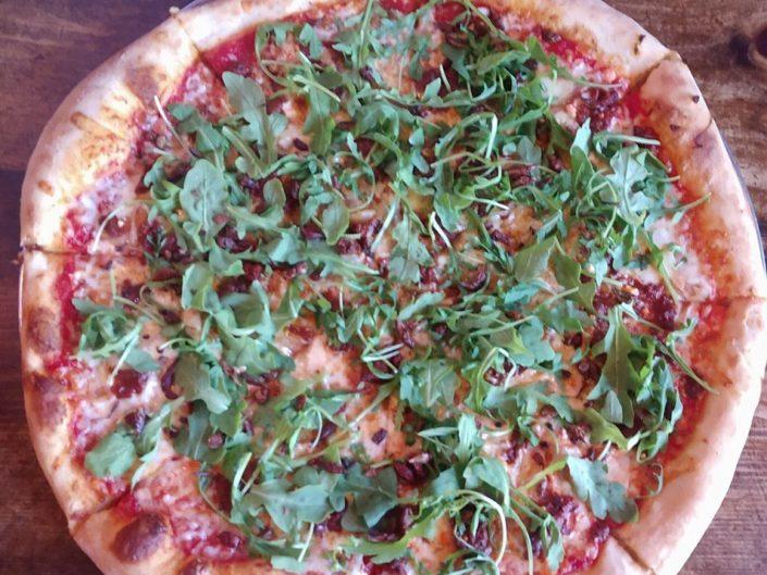 la pizza au sauterelles
