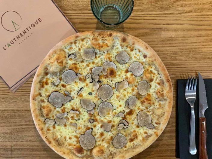 Pizza originale à commander à Nice 25